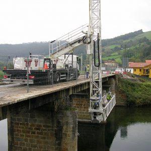 Puente sobre el río Asón en Udalla, (Cantabria)