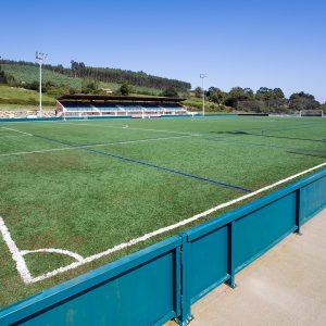 Campo de Fútbol en Arnuero, (Cantabria)